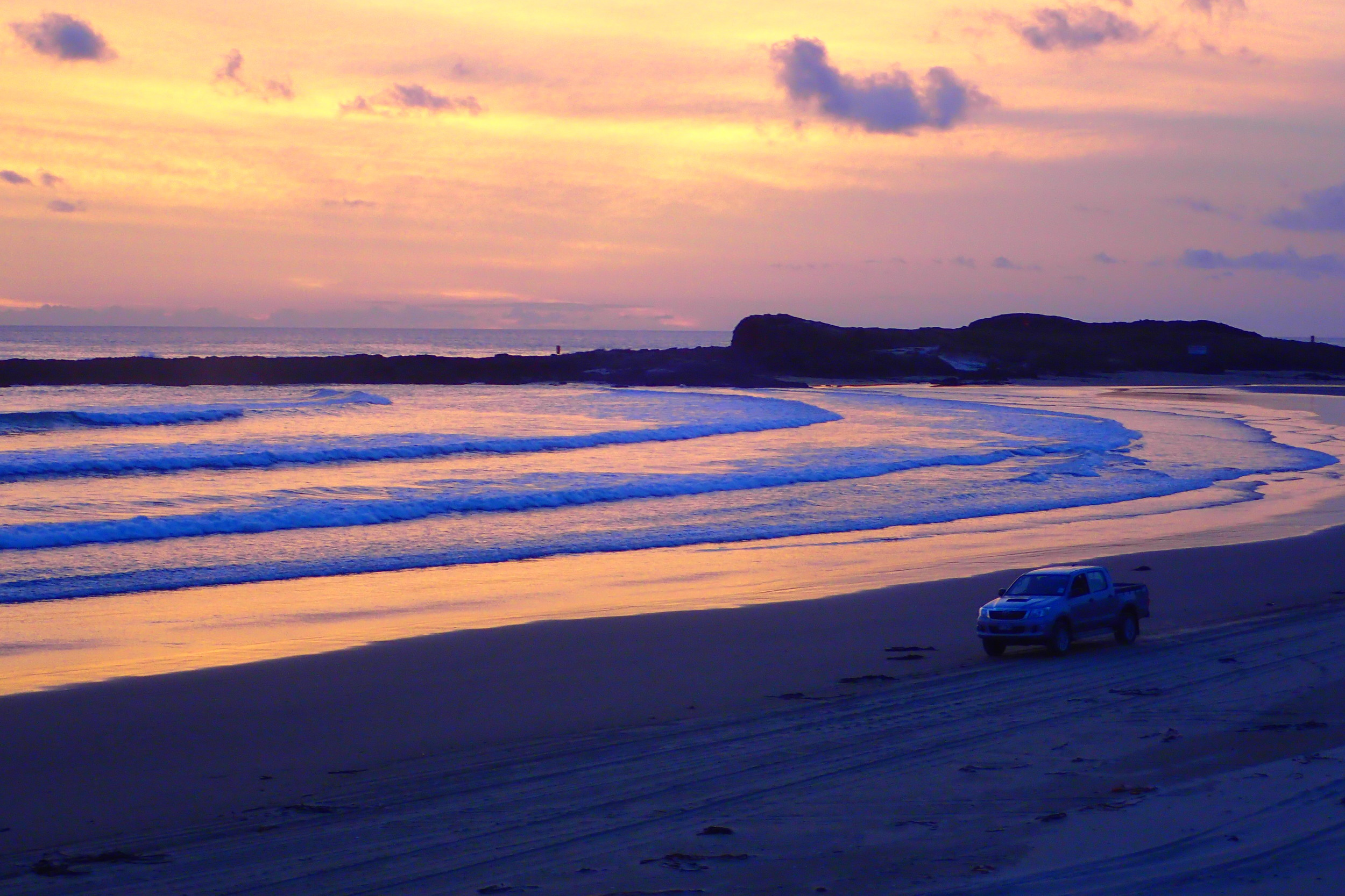 The most gorgeous sunset I've ever seen: 90 Mile Beach, New Zealand —  Deviating the Norm